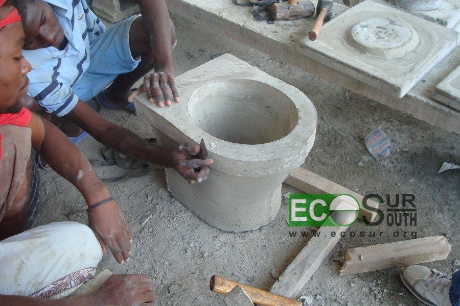 C mo fabricar un inodoro seco con separaci n de orina uddt for Molde para cemento