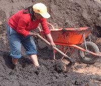 Pequeñas innovaciones tecnológicas que mejoran la vida de los ladrilleros en Chambo.