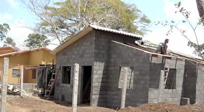 Ecotec 15 a os bajo un techo de tmc for Techos de concreto para casas