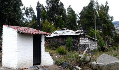 Inodoros Secos en zona rural de Ecuador